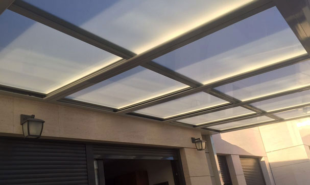 sistema de techo fijo en terraza